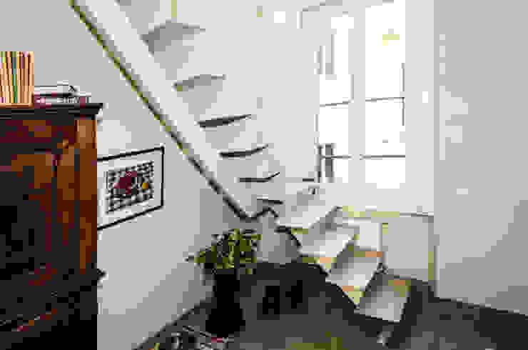 Realizzazioni A-LAB Arch. Marina Grasso Nowoczesny korytarz, przedpokój i schody