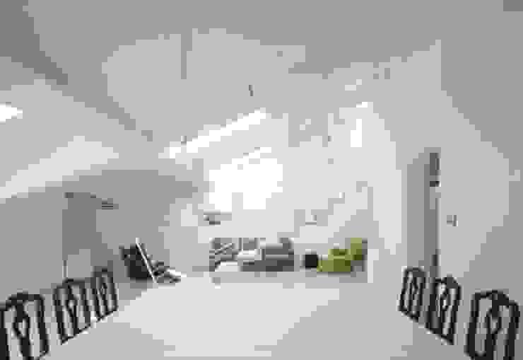 Minimalist living room by Benedini & Partners Minimalist