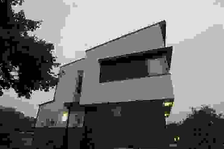 現代房屋設計點子、靈感 & 圖片 根據 구도건축사사무소 現代風