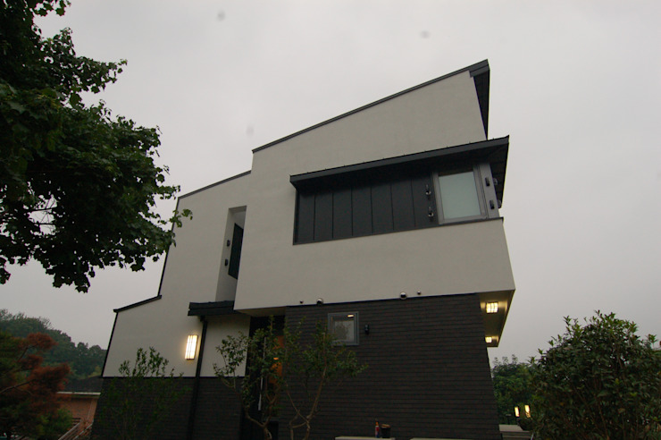 Rumah Modern Oleh 구도건축사사무소 Modern