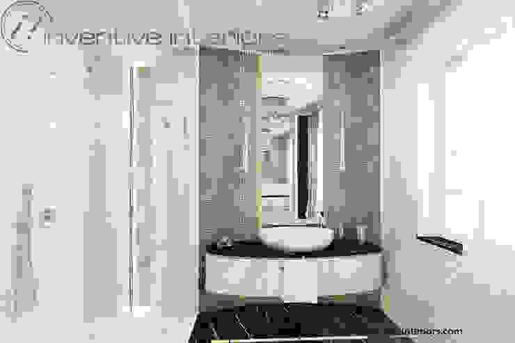 Srebrna mozaika w łazience Klasyczna łazienka od Inventive Interiors Klasyczny