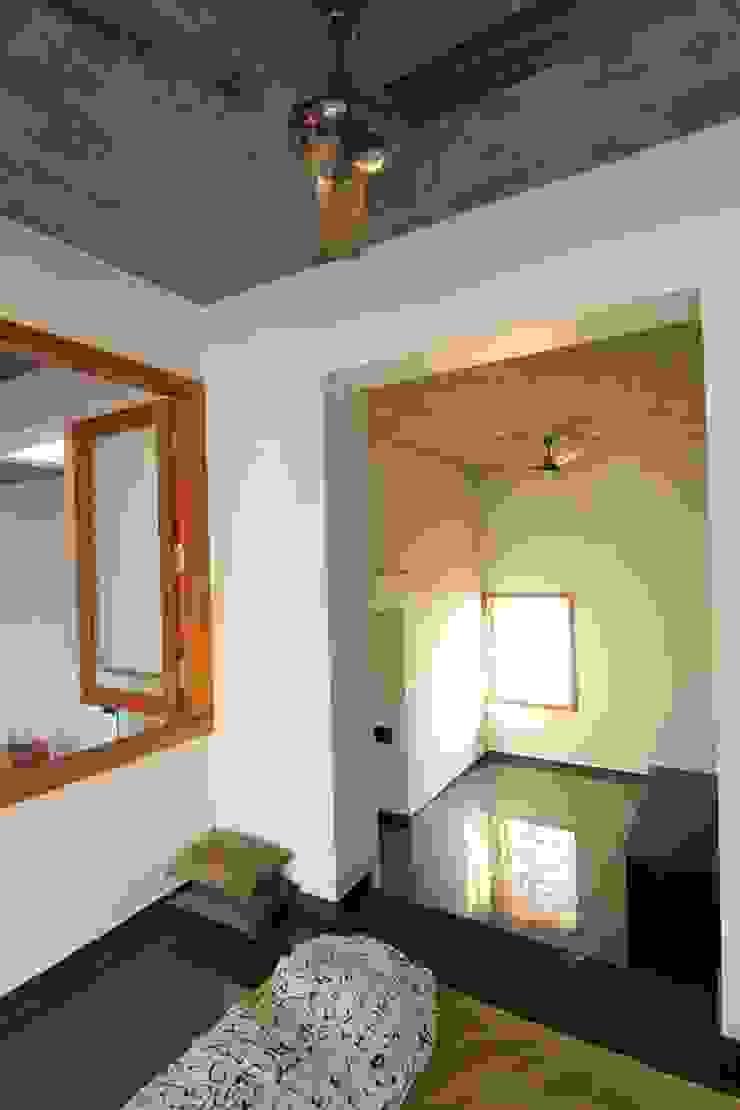 shanthi priya n mohan 's Residence @ ECR in 1450 sq feet site Modern style bedroom by Murali architects Modern