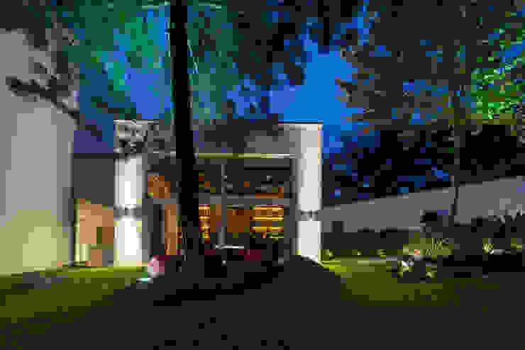 Casa San Agustín Casas de estilo clásico de PORTICO Arquitectura + Construcción Clásico