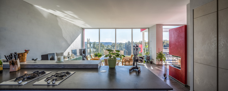 Blick aus der Küche Moderne Esszimmer von aaw Architektenbüro Arno Weirich Modern