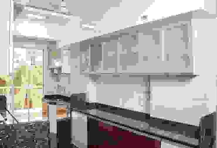 Shreeji Residence Modern kitchen by suneil Modern