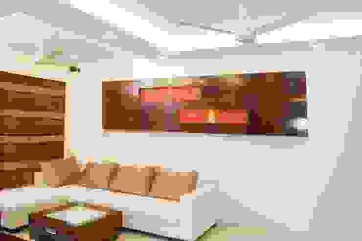 Shreeji Residence Modern living room by suneil Modern