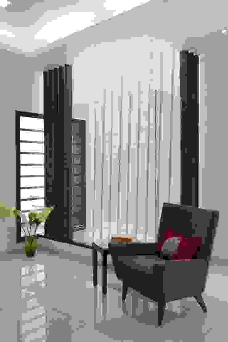 Mr. Sanjay patel—Bungalow Modern living room by P & D Associates Modern