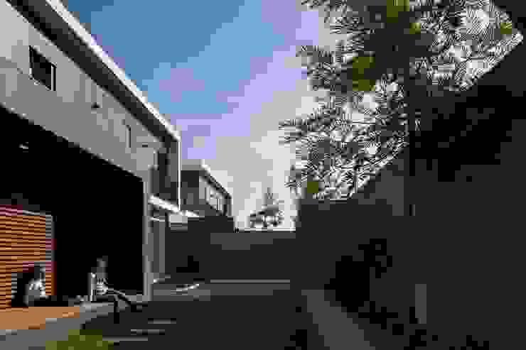 PISCINA por OW ARQUITECTOS lda | simplicity works Moderno Madeira Acabamento em madeira