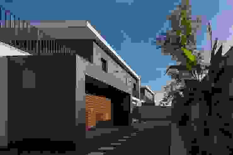 FACHADA TARDOZ Casas modernas por OW ARQUITECTOS lda | simplicity works Moderno
