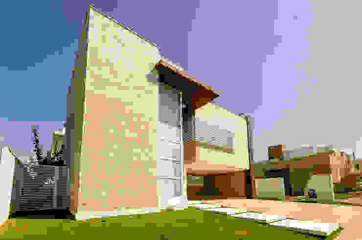 Renata Matos Arquitetura & Business บ้านและที่อยู่อาศัย Beige