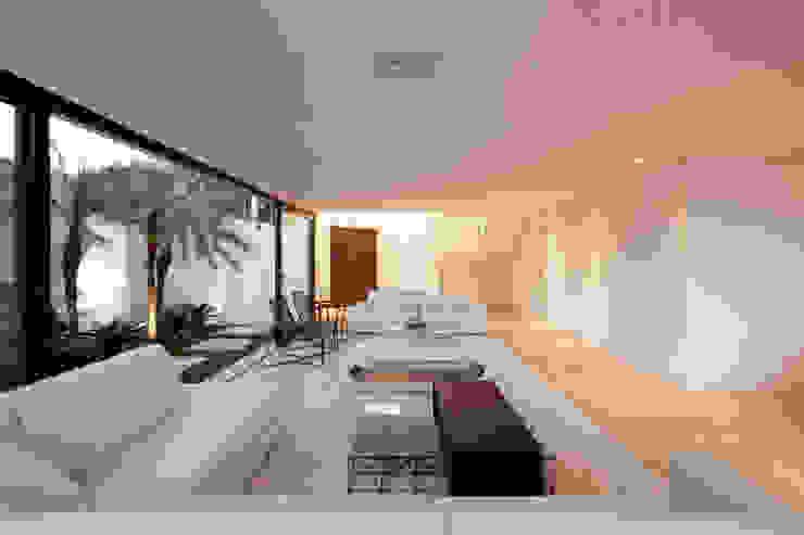 SALA DE ESTAR 03 Salas de estar modernas por Conrado Ceravolo Arquitetos Moderno