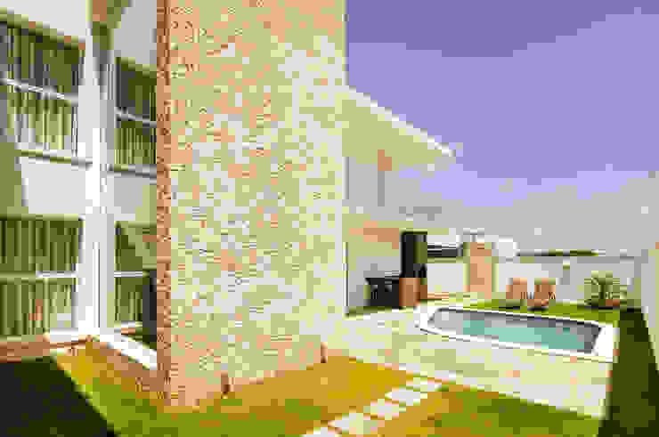 Balcones y terrazas de estilo moderno de Renata Matos Arquitetura & Business Moderno