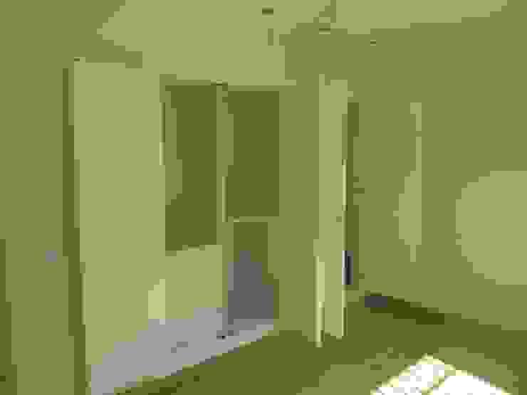 Klasyczna sypialnia od Rudeco Construcciones Klasyczny