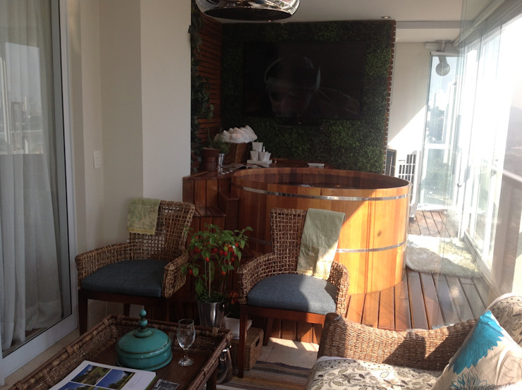 Modern balcony, veranda & terrace by Marcia Arcaro Design Ltda ME Modern