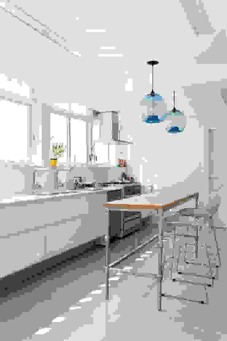 RSRG Arquitetos Cocinas de estilo minimalista