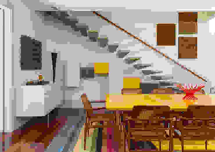Sampaio Vidal Corredores, halls e escadas modernos por Eliane Mesquita Arquitetura Moderno