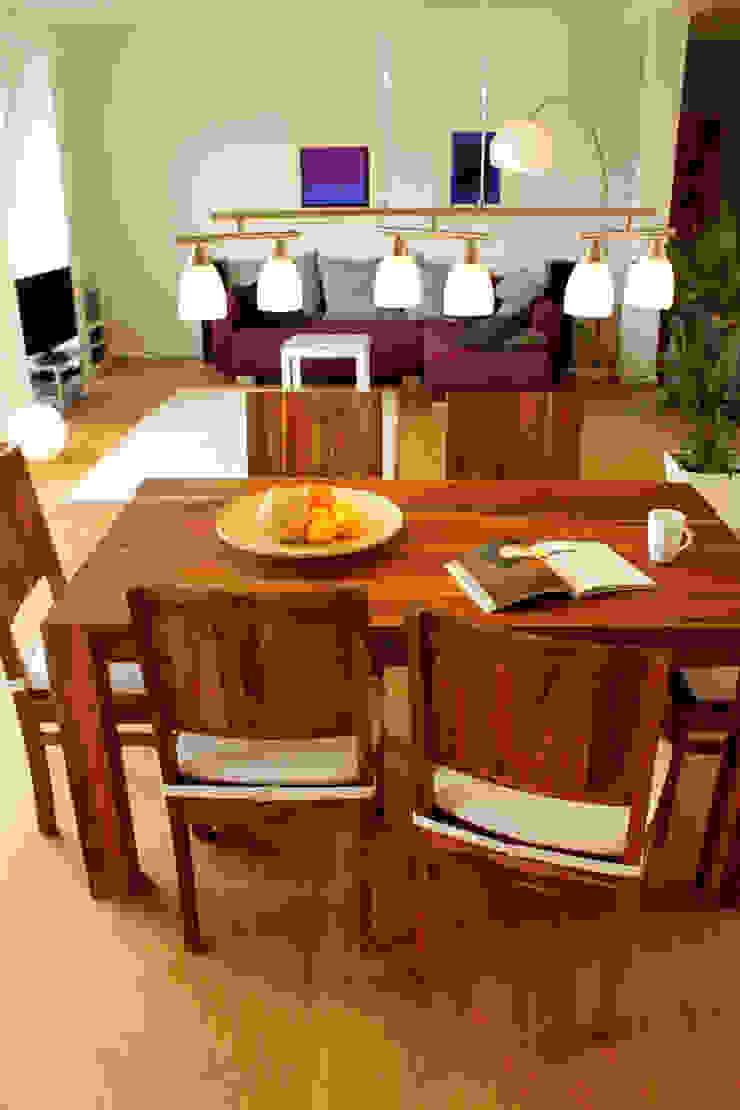 Dachgeschosswohnung Moderne Esszimmer von ORTerfinder Modern Holz Holznachbildung