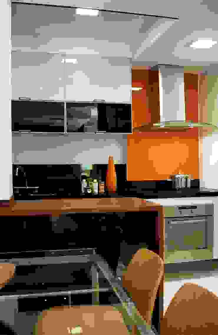 Apto K Cozinhas modernas por m++ architectural network Moderno
