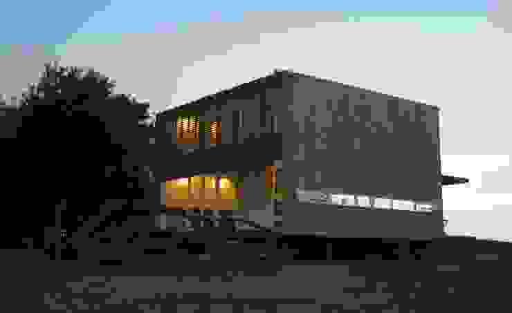 CASA LAGUNA EL ROSARIO Casas modernas: Ideas, imágenes y decoración de Frias+Tomchinsky Arquitectos Moderno