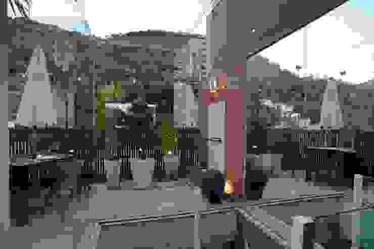 Apto K Varandas, alpendres e terraços modernos por m++ architectural network Moderno