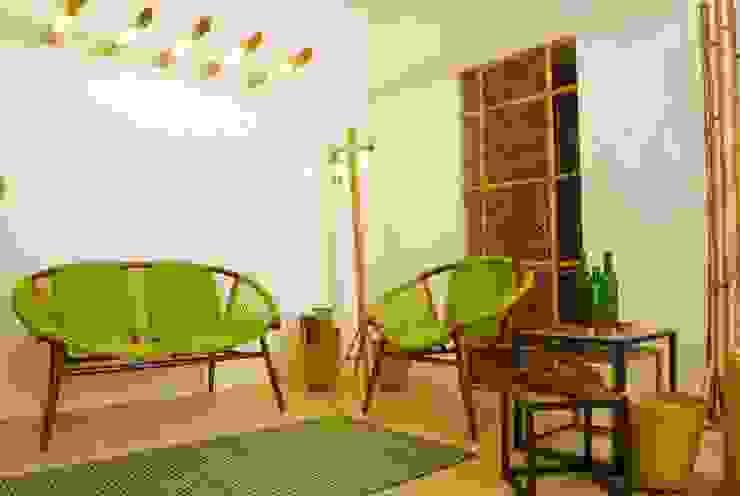 Salas de estar modernas por Errol Reubens Associates Moderno