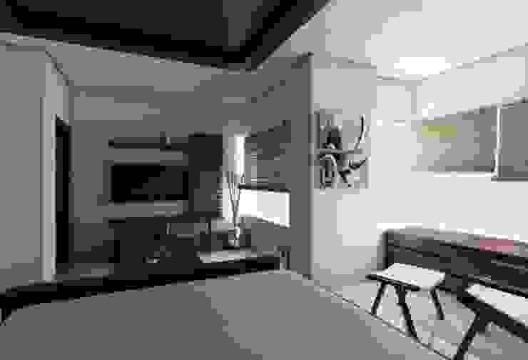 LalMun Apartment Modern living room by Errol Reubens Associates Modern