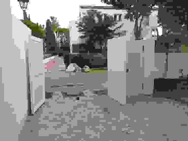 Garage / Hangar modernes par Rudeco Construcciones Moderne