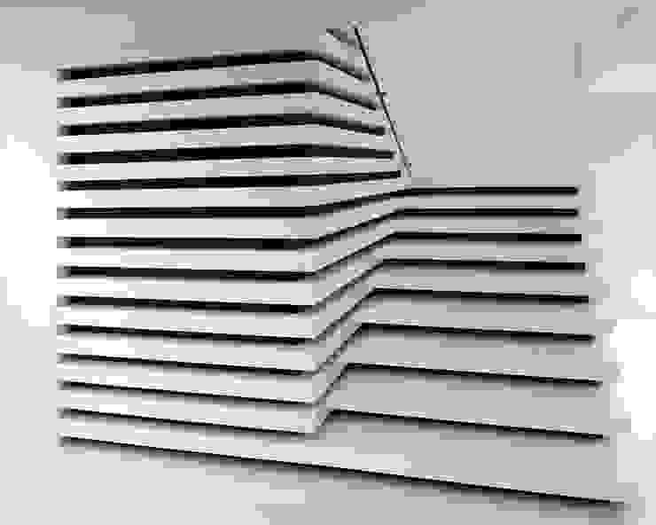 Shelf House Corredores, halls e escadas minimalistas por MUTANT architecture & design Minimalista