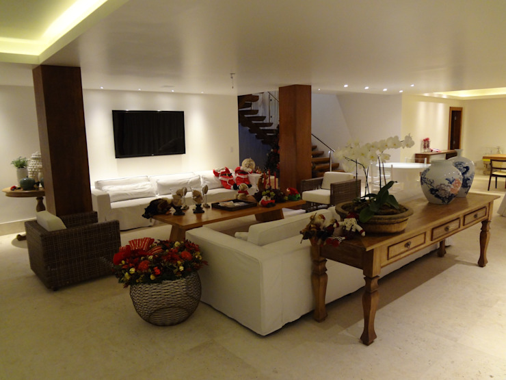 Salas / recibidores de estilo  por Tupinanquim Arquitetura Brasilis
