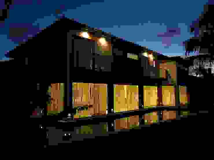 Residência de Praia Casas rústicas por Tupinanquim Arquitetura Brasilis Rústico