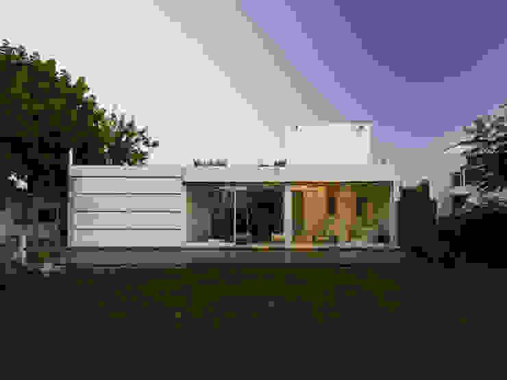 Casa Ennis Saavedra Modern houses by Bares Bares Bares Schnack | Estudio de Arquitectura Modern
