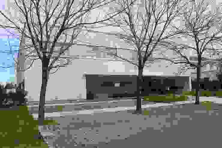 Casa Moderna Casas modernas: Ideas, imágenes y decoración de GG&A Moderno