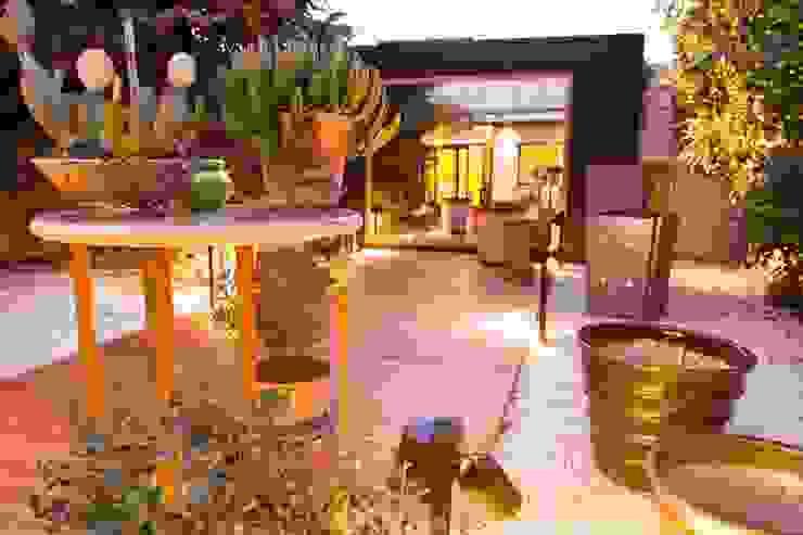 Garden by VIVANT LA VIE, Modern