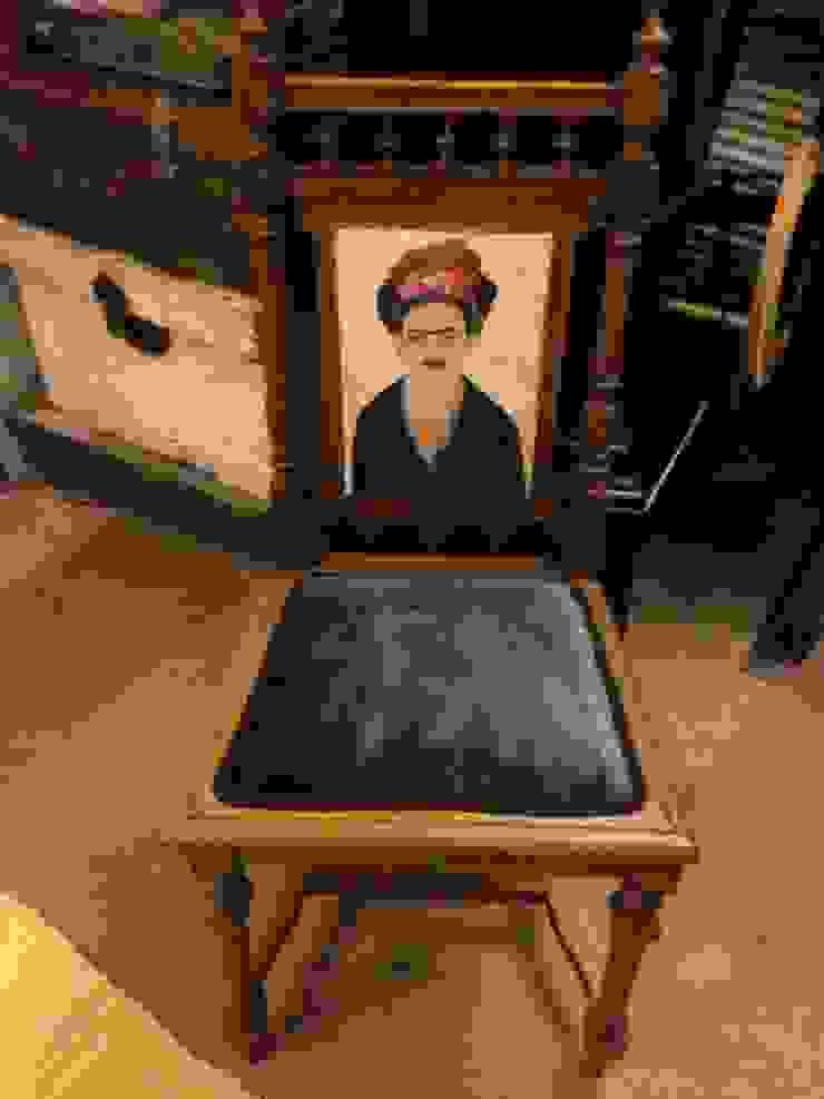 """Cadeira """"Frida Kalo"""" por Second Life Eclético"""