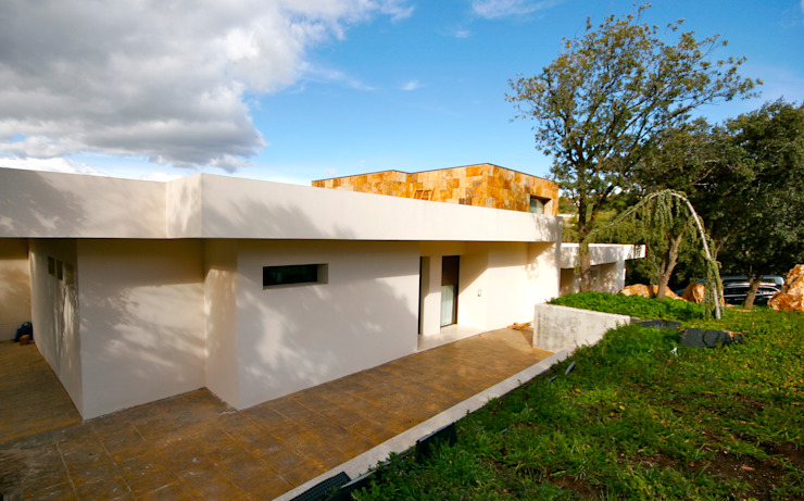 Nowoczesne domy od VALVERDE ARQUITECTOS Nowoczesny