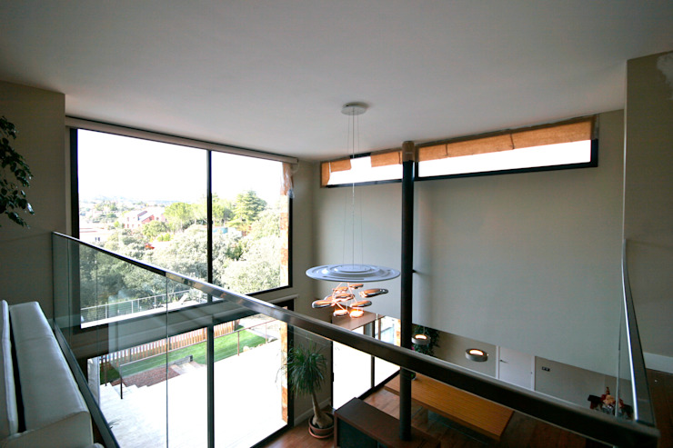 VALVERDE ARQUITECTOS Casas estilo moderno: ideas, arquitectura e imágenes