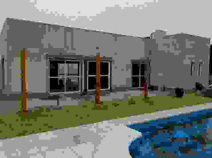 CASA QUINTA EN LA PAMPA Casas modernas: Ideas, imágenes y decoración de ConAr Moderno