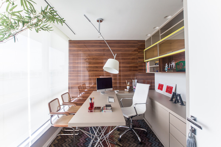 Escritório Escritórios modernos por Arina Araujo Arquitetura e Interiores Moderno