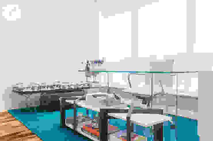 Espera Escritórios modernos por Arina Araujo Arquitetura e Interiores Moderno