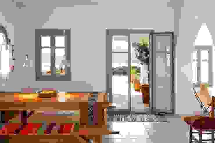 Proyectos de interiorismo varios Modern dining room by estudio 60/75 Modern