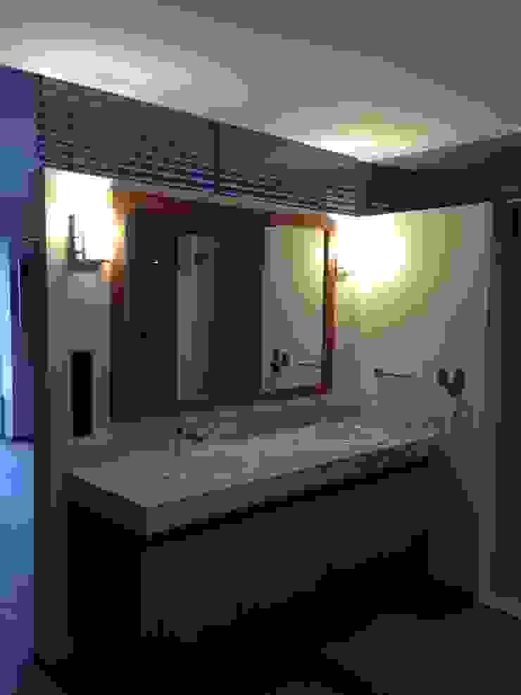 DEPARTAMENTO REFORMA Baños modernos de Diseño Integral En Madera S.A de C.V. Moderno