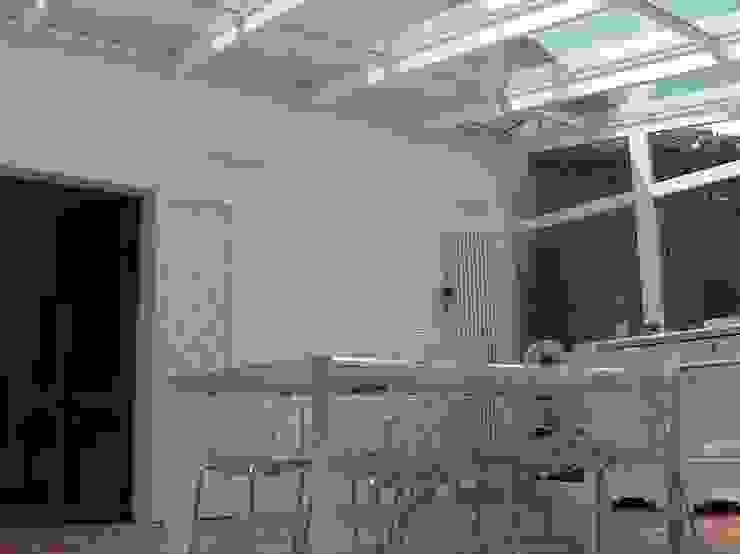 Progetto モダンデザインの リビング の Arch. Alfredo Bandini モダン