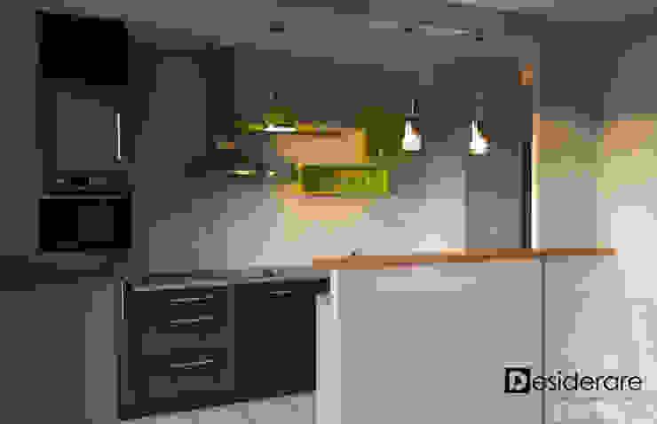 """Appartement 7 bis"" Cuisine moderne par DESIDERARE Moderne"
