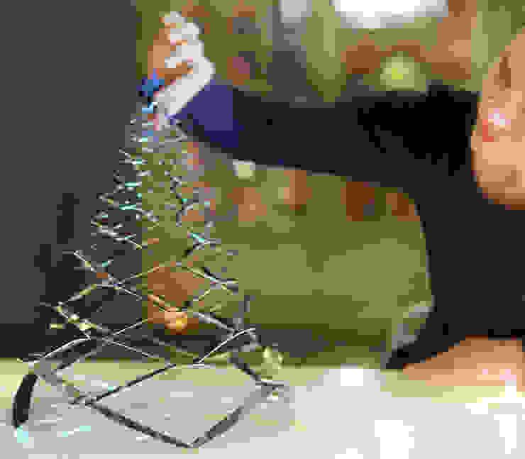 GRANN - Petit Modèle - L'arbre de Noël en acier Inoxydable par Le monde de Sofia Minimaliste Métal