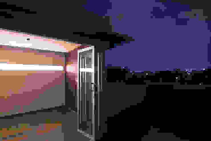 Roof Garden Ciudad de México Balcones y terrazas modernos de State of Light Moderno