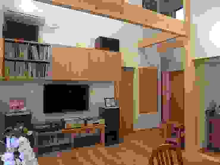 御所南の家Ⅱ モダンデザインの リビング の 株式会社 atelier waon モダン