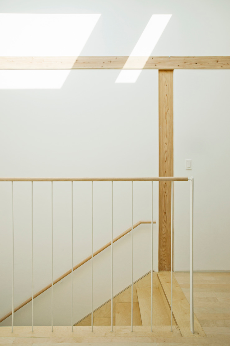 TIMBER DUPLEX 1 (중목구조 땅콩집 1) 모던스타일 복도, 현관 & 계단 by min workshop 모던