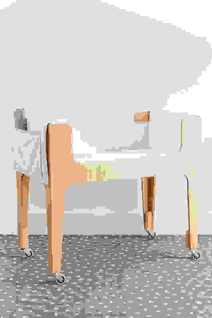 CATRE HANNA – madera con lustre claro de KLAUN Moderno