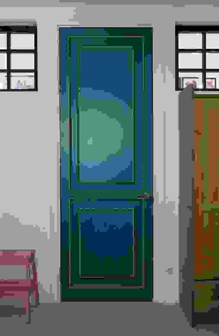 Совет да Любовь Детская комнатa в классическом стиле от Korneev Design Workshop Классический