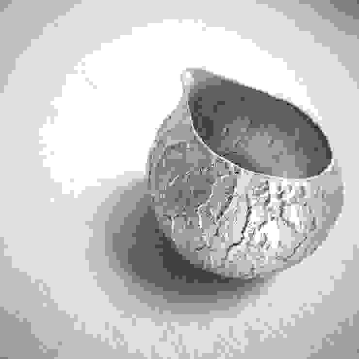 銀樹 片口: Satomi nodaが手掛けた折衷的なです。,オリジナル 磁器